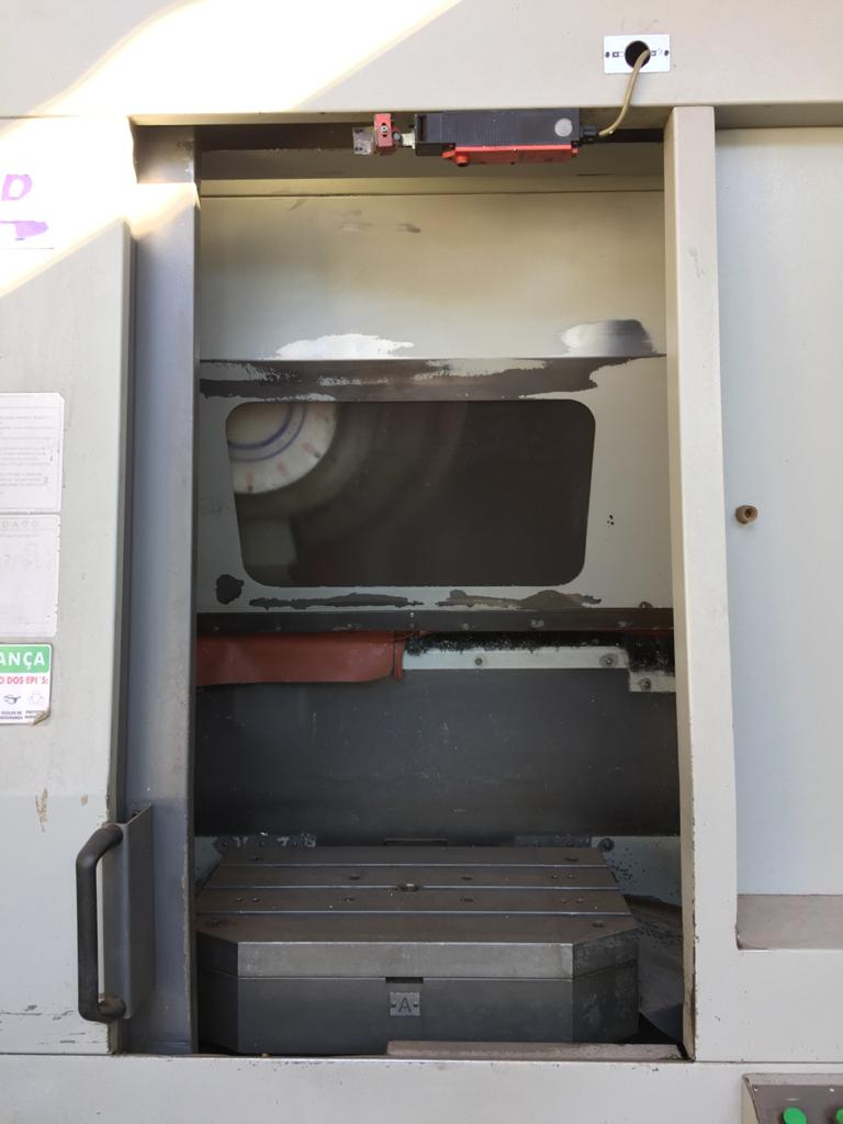 Foto: CENTRO DE USINAGEM VERTICAL - DUPLO PALLET - HYUNDAI VX380TD - ANO 2008