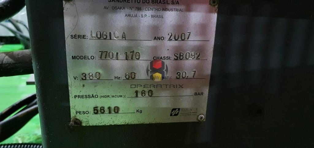 Foto: INJETORA DE PLÁSTICO SANDRETTO LOGICA 770 / 170ANO 2007