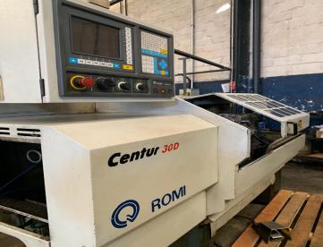 TORNO CNC - ROMI - CENTUR 30D - 1000MM - ANO 2001