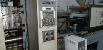Foto: INJETORA PLASTICA JASOT 650 /180  ANO 1999 +GELADEIRA +TORRE